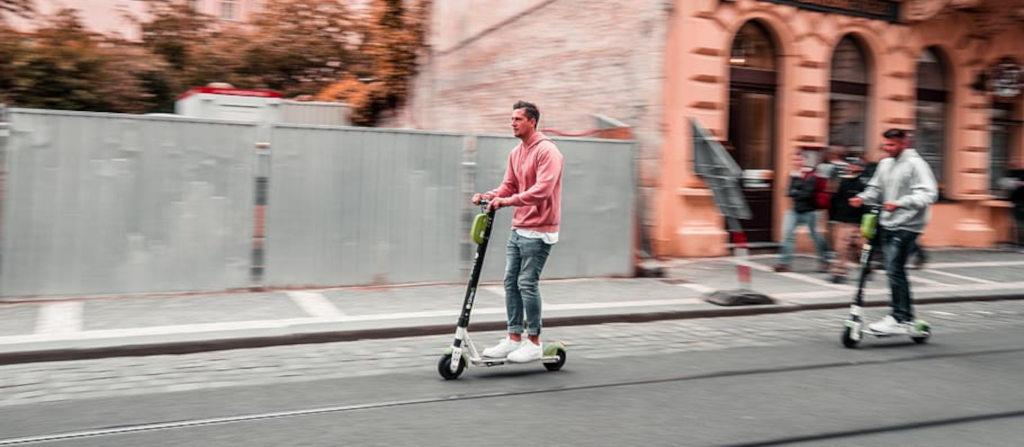 ¿Es obligatorio llevar el certificado de circulación con tu patinete eléctrico?