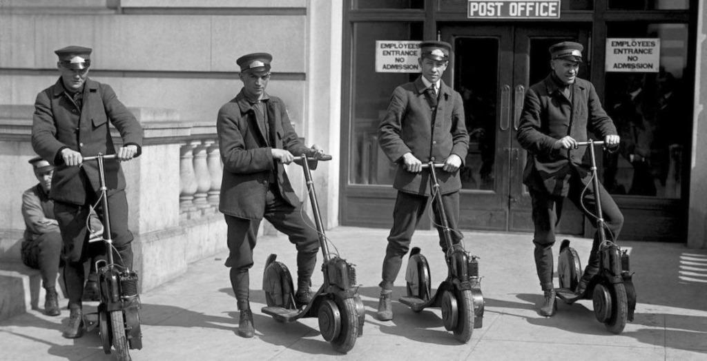 ¿Cuándo se inventaron los patinetes eléctricos? Te contamos la historia de estos pequeños vehículos