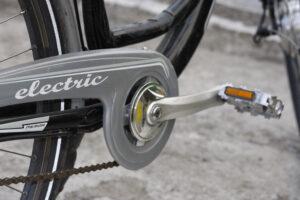 ¿Patinete eléctrico o bicicleta eléctrica? Te ayudamos a elegir la mejor opción